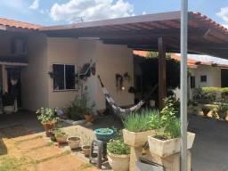 Aluguel - Casa 03 qts, Condomínio Salto de Corumbá - Res. Brisas do Cerrado