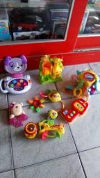 Lotinho de brinquedos para bebê