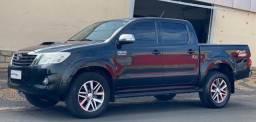Toyota Hilux SRV 3.0 Diesel 4x4 (C/ Controle Tração)