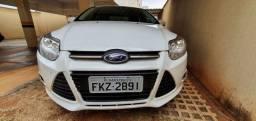Vendo Focus Sedan 2013/14 mais informação 34 991 61 2594 Itamar