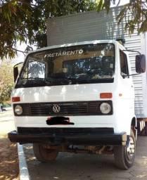 Vendo Caminhão da Volkswagen