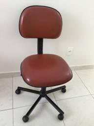Cadeira giratória linda
