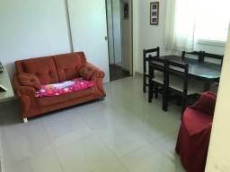 Apartamento 2 dormitórios com pátio