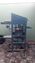 Máquina de fábricar blocos