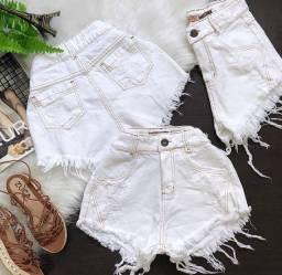Short feminino branco