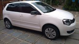 VW Polo 1.6 Hatch Completo 2014