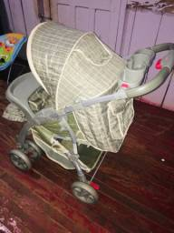 Vendo carrinho de bebê pouco usado