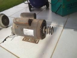 Motor monofásico 1½ CV x 1710 RPM