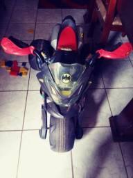 Moto elétrica infantil do batman