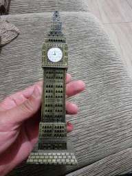 Torre big ben em miniatura