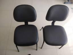 Cadeira fixa secretária.