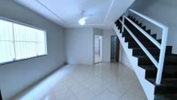 Casa duplex,  3 dormitórios , 2 vagas