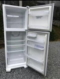 Conserto geral em geladeiras,frezeer,máquina de lavar e fogão.