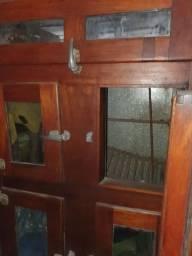 Geladeira antiga madeira