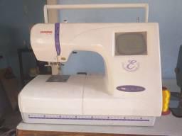 Máquina de bordar janome 300e