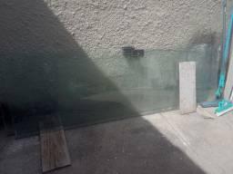 2 Porta de correr Blindex 300,00Rua do Fogo