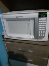 Microondas Electrolux 31litros