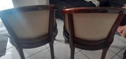 Duas cadeiras madeira antiga