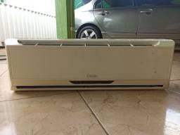 Ar condicionado 12.000 BTU (Parcelo Cartão)