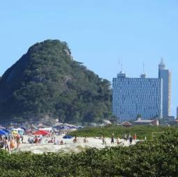 Caiobá feriado e alta temporada Apt  05 pessoas com vista para praia wi-fi garagem