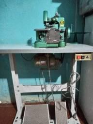 Máquina de costura overlok,com mesa