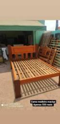 Cama de casal madeira maçiça sem nenhum detalhe