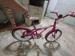 Vendo bicicleta menina caloi não entrego