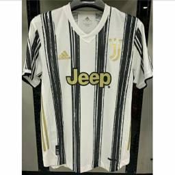 Camisa Juventus M na etiqueta modelo 20/21