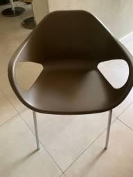Cadeira com braço nova