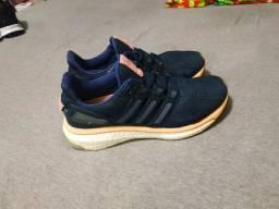 Tênis Adidas energy
