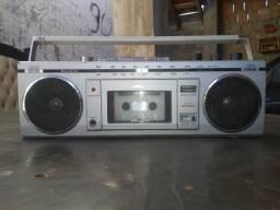 Rádio Cassete Sanyo M7700F
