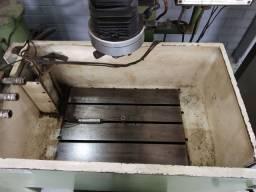 Eletroerosão penetração engemaq EDM400