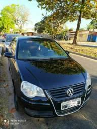 VW Polo Sedan Completo 1.6 (( pego moto)) 2011