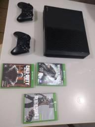 Xbox one 2 manetes semi novo