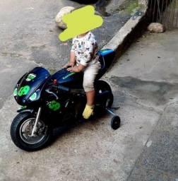 Vendo mini moto top super forte aceito proposta...