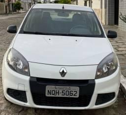 Sandero 2014 completo novinho ( carro de particular)