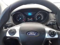 Ford Focus Hatch SE 1.6 16V TiVCT PowerShift 2014
