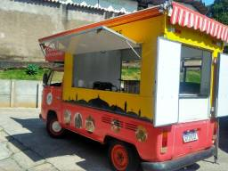 Food truck pronto pra trabalhar