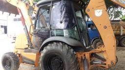 Retro Escavadeira CASE 580N 4x4 cabinada c ar ano 2012 c/ 5500hs