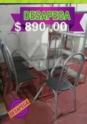 Mesa de vidro semi nova com 6 cadeiras Upp Desapega