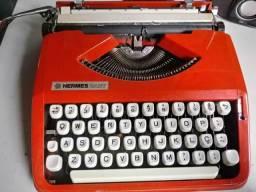 Maquina de escrever(tinta preta e vermelha)