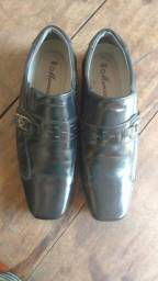 Vendo urgente sapato social semi novo