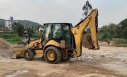 Retroescavadeira Caterpillar 416E 4x4 ano 2013