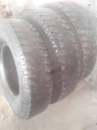 Vendo 3 pneu 900-20 goodyear pra caminhão
