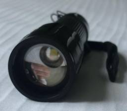 Mini Lanterna Tática com Luz de LED Produto Novo