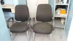 Cadeiras de frente de mesa