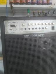 VENDO uma caixa de som semi nova 800 reais