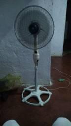 Ventilador Arno de pé