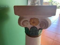 Coluna de cemento para arranjos, vaso ou enfeite
