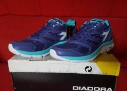 Tênis Diadora - Tamanho 35 ou 36